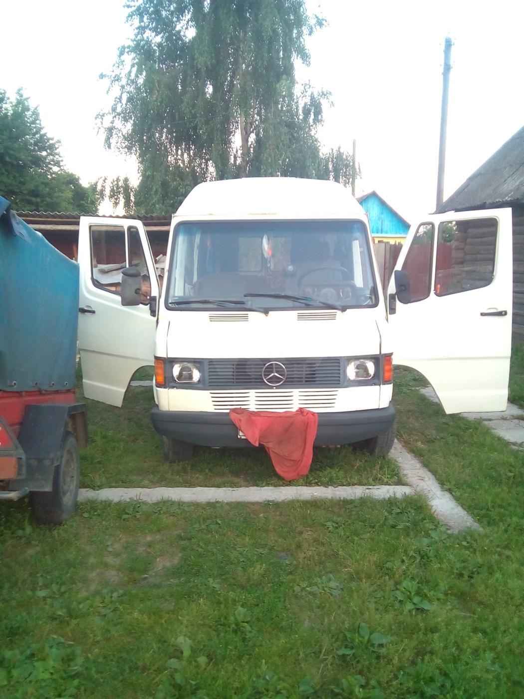 Mercedes-Benz T1 (207D-410D) мерс, 1988 г.