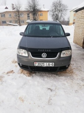 Volkswagen Touran I, 7 мест, 2004 г.