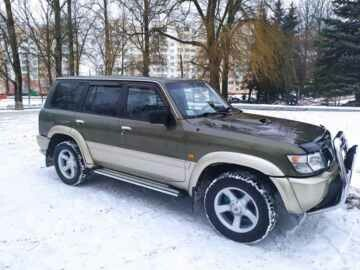 Nissan Patrol Y61, 7 мест, 2000 г.