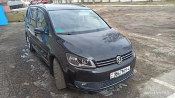 Volkswagen Touran II, 5 мест, 2015 г.