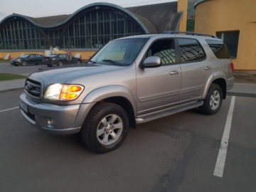 Toyota Sequoia I, 7мест, 2002г.
