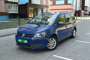 Volkswagen Touran II, 7мест, 2010г.