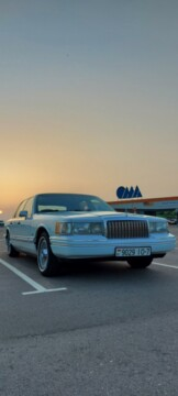 Lincoln Town Car II, 1991г.